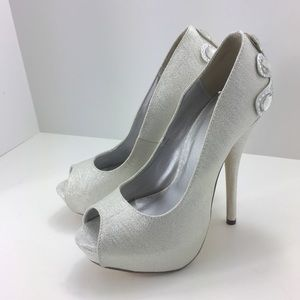 Celeste Silver Jeweled Stilettos Size 7 Formal